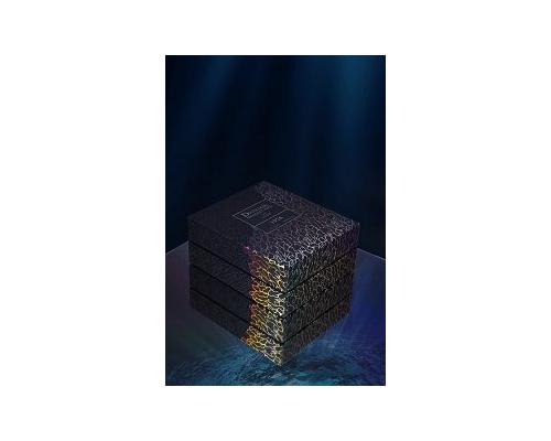 Dictador Generations en Lalique box on black mirror 9852 .tif